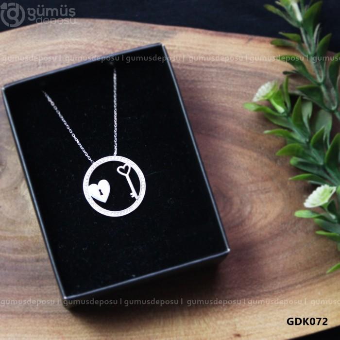 Kilitli Kalp Figürlü Gümüş Kolye - GDK072